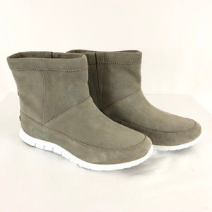 Cole Haan Womens Chelsea Boots Grand OS Suede 6B